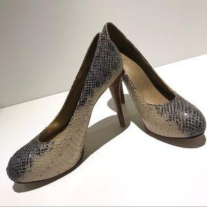 🆕 NWT Stuart Wetizman Snakeskin Platform Heels